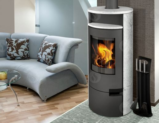 lugo_02_serpentine_fireplace_stoves_romotop_interier_cerny-korpus